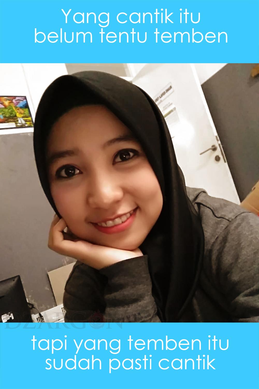 meme lucu banget cewek cantik jilbab