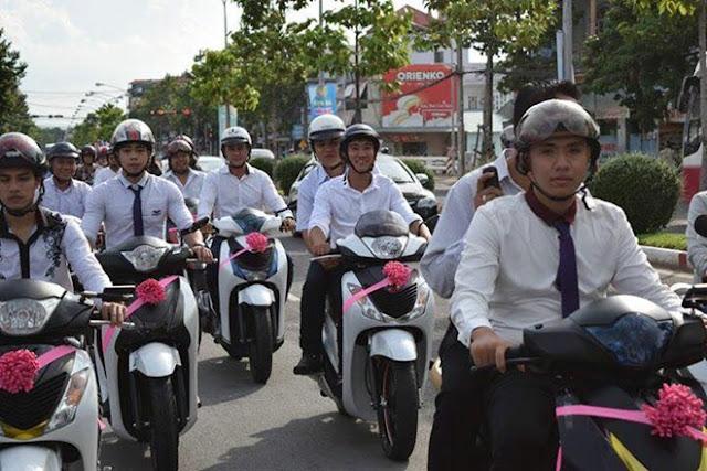 Hơn 30 xe Honda Sh hộ tống xe hoa ở Biên Hòa