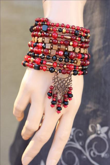 trendy jwelry, latest trends in jewelry, women's fashion, girls fashion, artficial jewelry, imitation jewelry, beautiful jewelry, trending necklace, earrings, bracelets