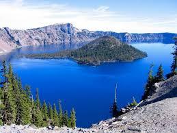 Crater Lake (Danau terdalam di Amerika)