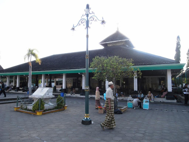 1. Masjid Agung Demak