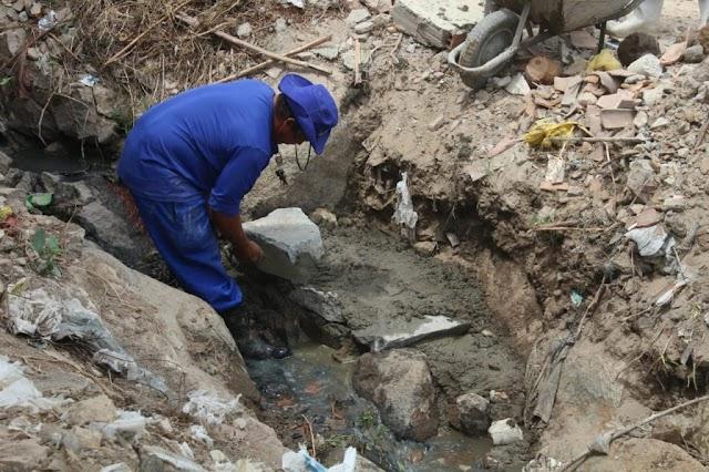 Prefeitura de Gravatá inicia obra de saneamento básico na rua da 'Batatinha'