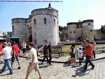 Puertas de acceso a la Torre de Londres.