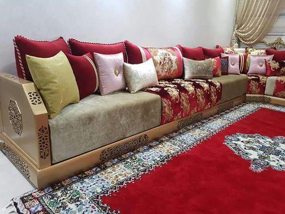Diverses photos de salons marocains cette année ...