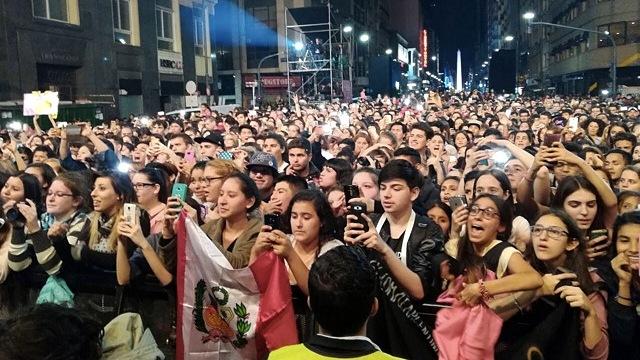 """""""Estrellas en Calle Corrientes"""" hizo cantar y bailar en el corazón de la ciudad"""