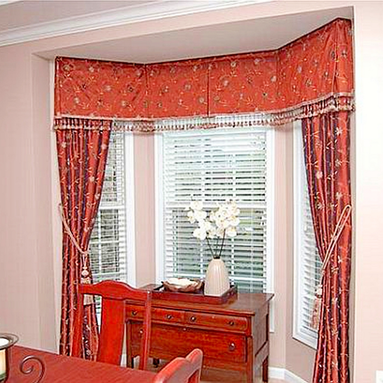 Casual dining room curtains - Amazing Red Casual Dining Room Curtains Ideas For