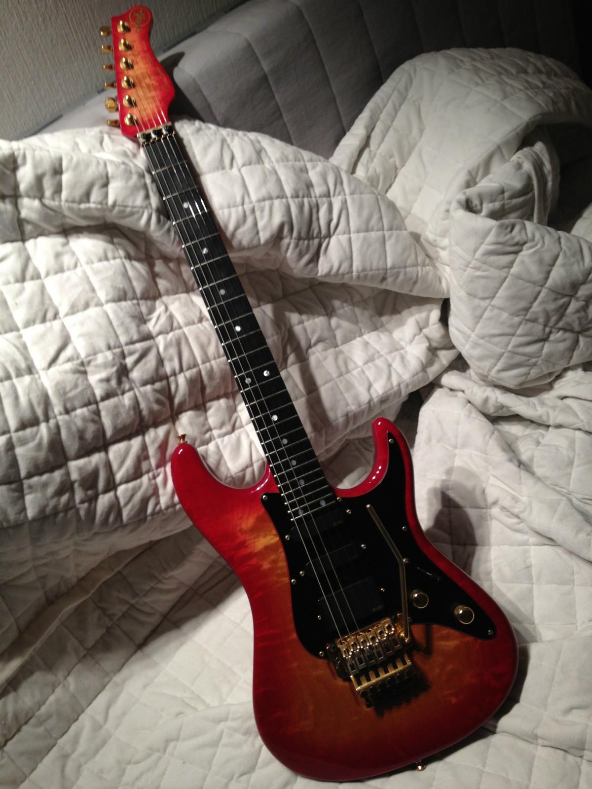 Valley Arts Guitars 1990 Luke For Sale Stratocaster Guitar Culture Stratoblogster