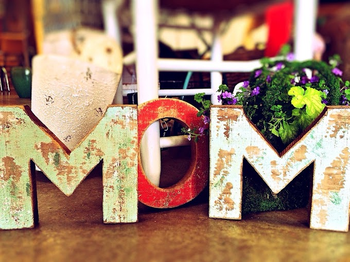 Benarkah Semua Perempuan Harus Menjadi 'Ibu'?