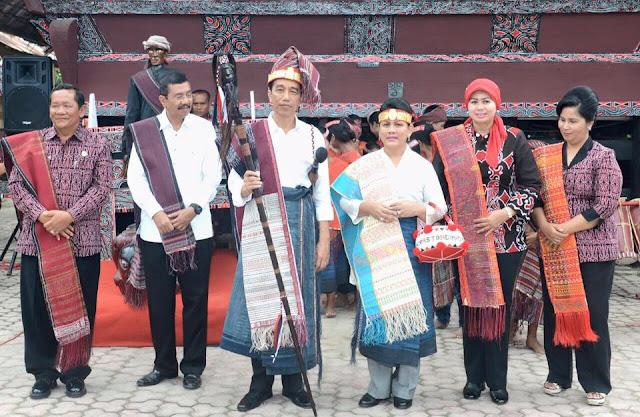 Inilah Video Ketika Presiden Jokowi Hadiri Karnaval Pesona Danau Toba di Tano Batak Pulo Samosir