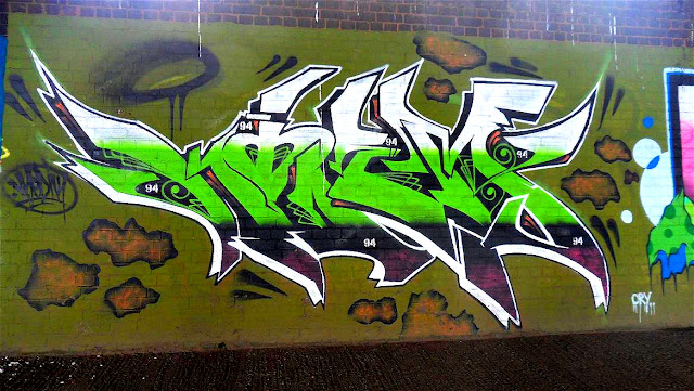 Strange Graffiti Writing 94