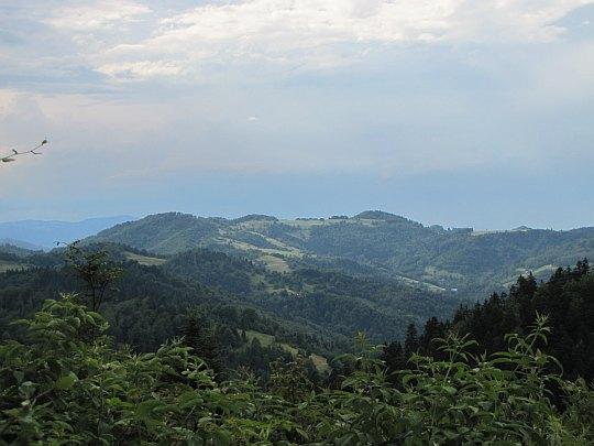Widok z jednej z polan grzbietowych.