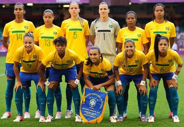 b702d91a7f41c ... as seleções de futebol seguirão o padrão das outras modalidades  olímpicas e usarão no peito o escudo do Time Brasil ( veja matéria completa  ).