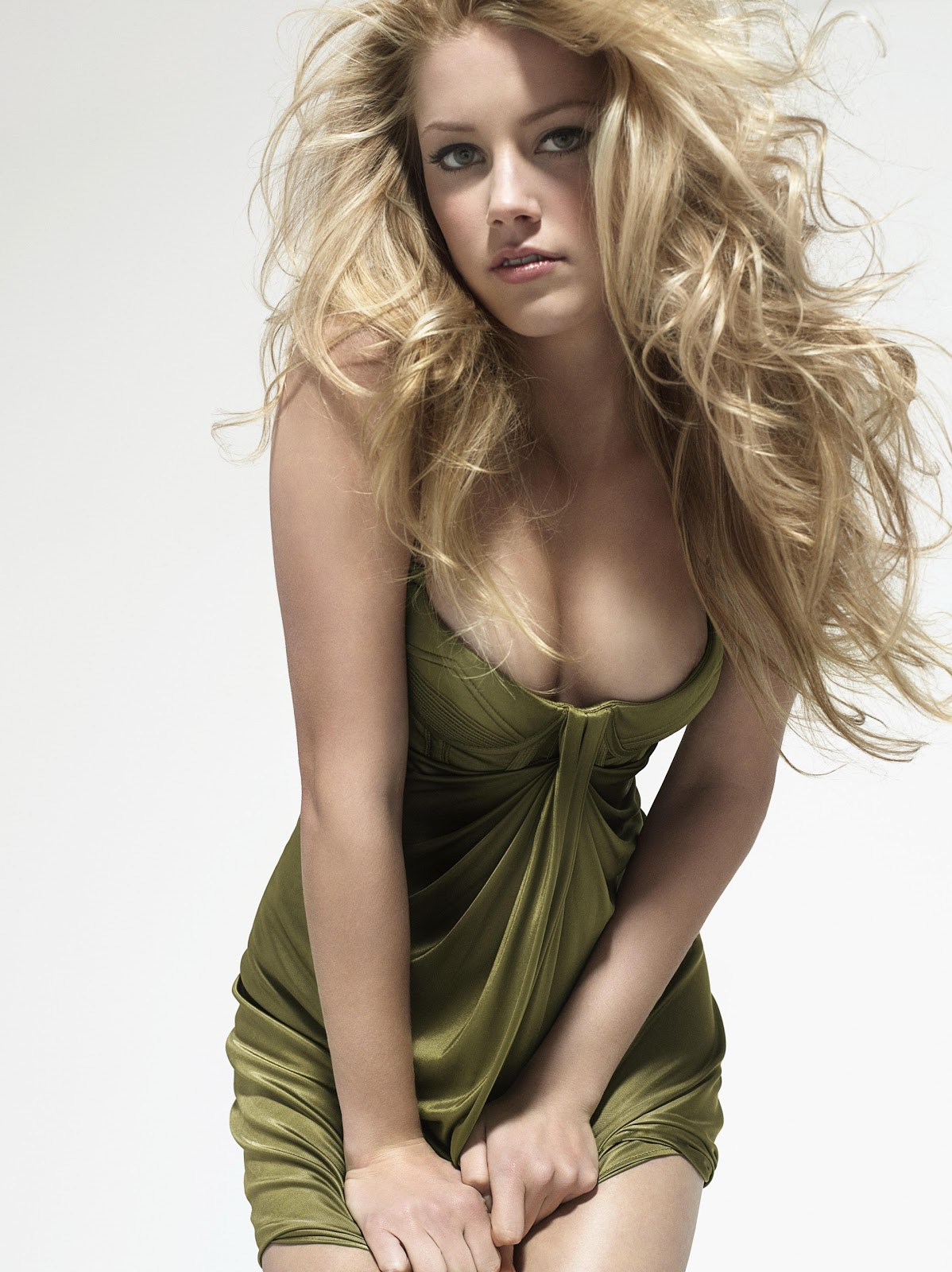 Pretty In Pink 10 Pink Makeup Looks With Voluminous Curly: Hot Girls XXX: Amber Heard Hot