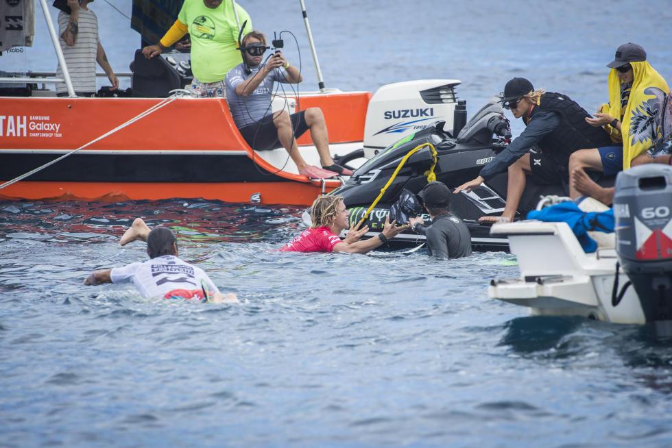 16 John John Florence HAW Billabong Pro Tahiti foto WSL Kelly Cestari