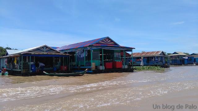 Negocios Pueblo flotante Chong Khneas lago Tonlé Sap