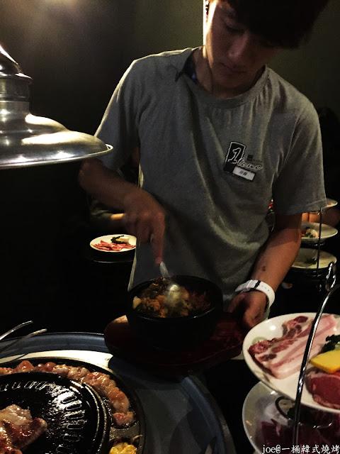 IMG 4292 - 【台中美食】好想念韓國的燒肉啊!!!『一桶韓式燒烤』讓你重溫韓國燒肉的舊夢阿!!!@一桶@韓式燒烤@油桶燒烤@烤蛋@起司@五花肉