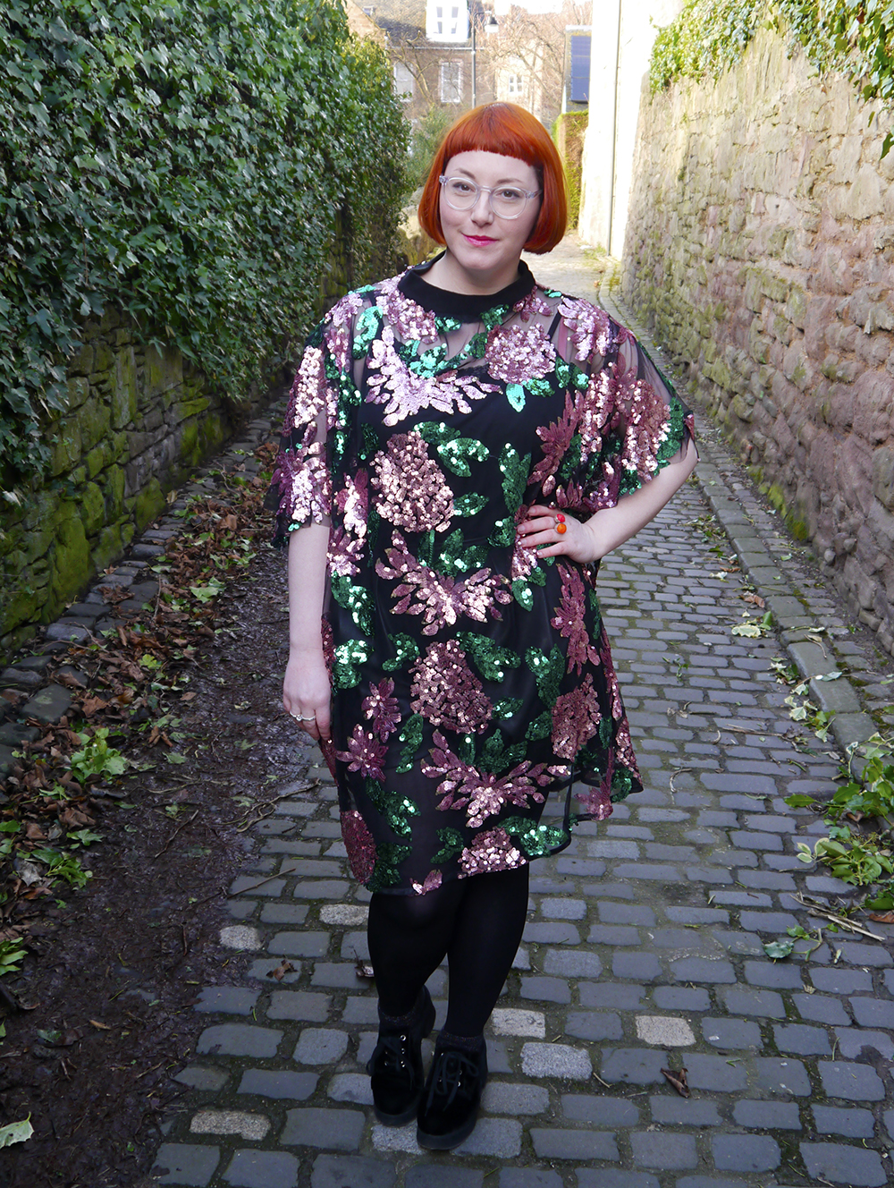 Isolated Heroes, Styled by Helen, Dundee designer, Scottish designer, Scottish blogger, Independent designer, street style, sequined outfit, sequin floral dress, plus size dressing