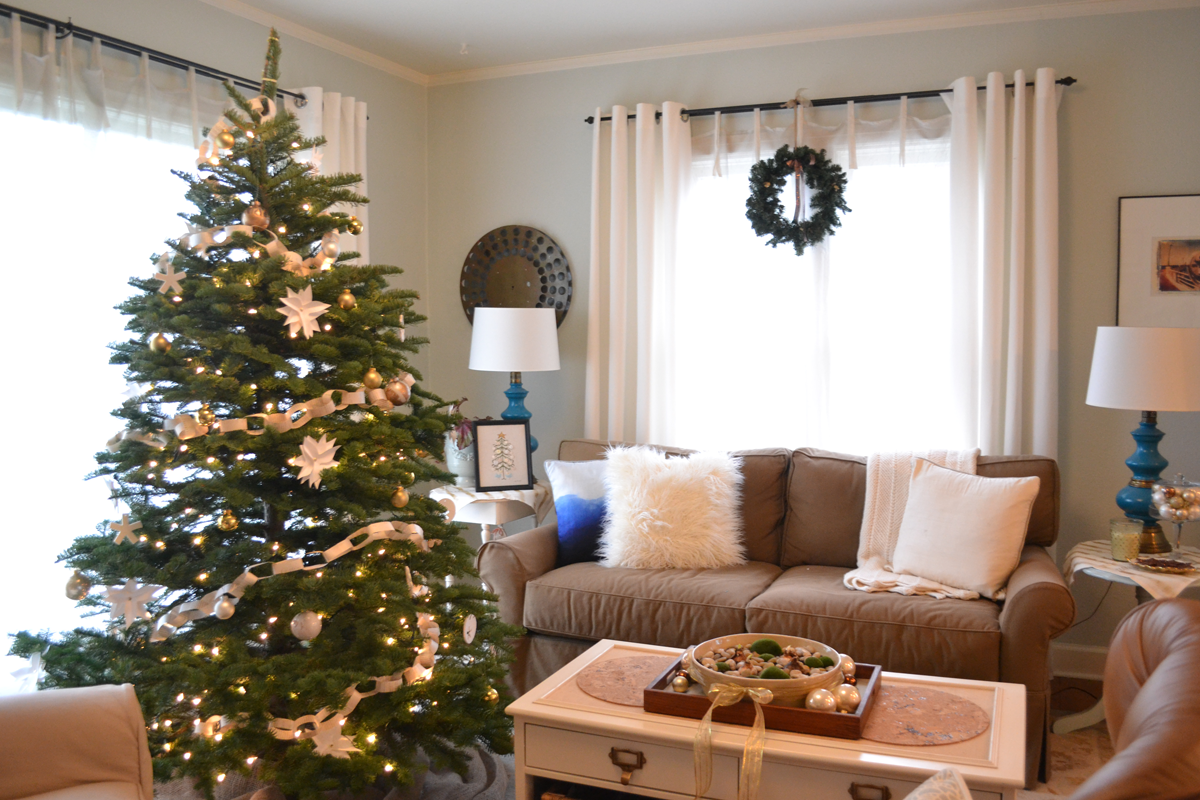 A Home In The Making: {create} A Gold And White Christmas