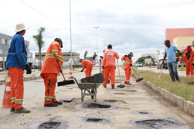 Operação Tapa-buracos começa no perímetro urbano da PE-160