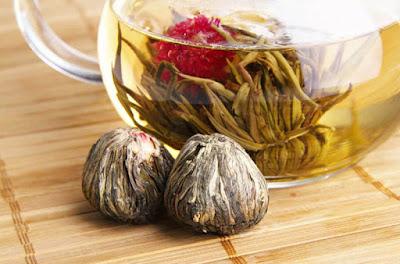 الشاي الابيض مفيد لبناء الكولاجين