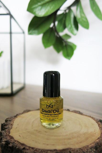 Organiczna oliwka do pielęgnacji skóry i paznokci Dadi'Oil.