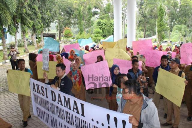 Ratusan Guru Honorer Di Madina, 11 Bulan Tak Terima Gaji