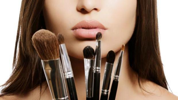 Truques geniais para você se maquiar em apenas 10 minutos