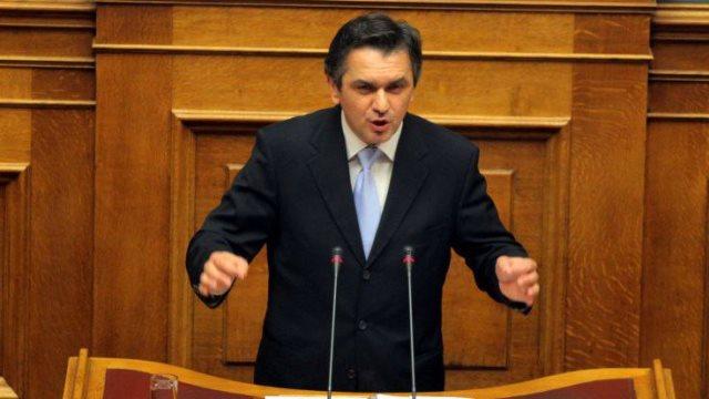 Κασαπίδης: Oι βουλευτές του ΣΥΡΙΖΑ διαπράττουν εσχάτη προδοσία