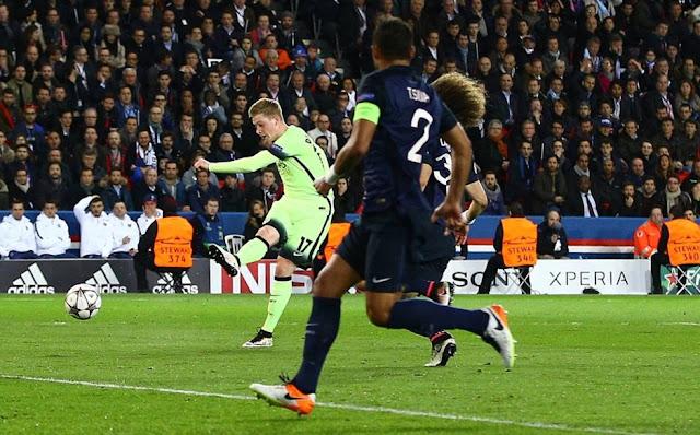 Kevin De Bruyne marquant le 1er but du match aller pour son équipe de Manchester City face à Paris
