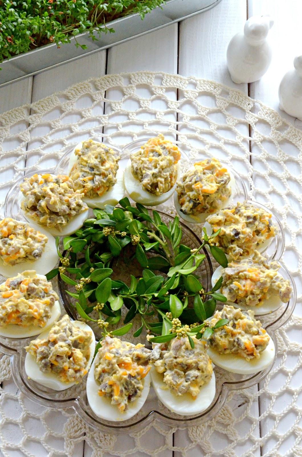jajka faszerowane z pieczarkami