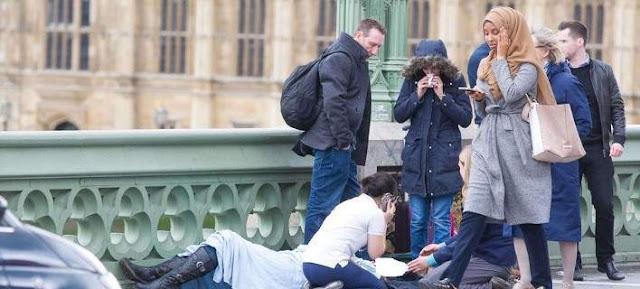 ΔΕΙΤΕ ΜΙΑ ΒΡΩΜΙΑΡΑ* – H «αδιάφορη» μουσουλμάνα του Λονδίνου εξήγησε γιατί αντέδρασε έτσι….