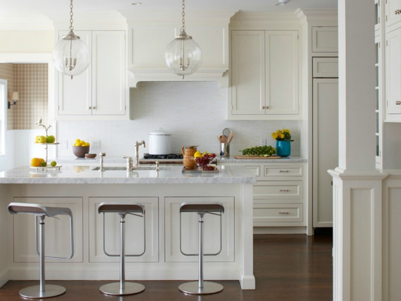 white coastal kitchen with fruit diplays