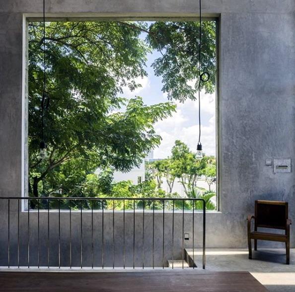 arsitek bangunan dalam pengawasan dan desain