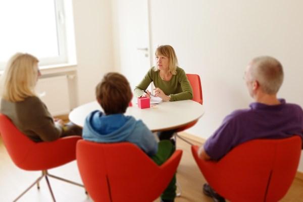 POTICANJE PARTNERSTVA UČITELJ - RODITELJ - UČENIK SA NAGLASKOM NA AKTIVNO UČENJE UČENIKA