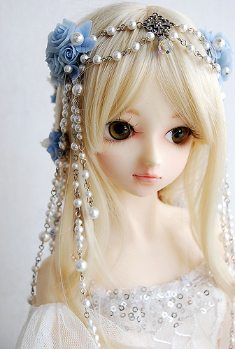 Download Sad Girl In Snow Wallpaper Boneka 1000 More Beautifull Than Barbie Weird News