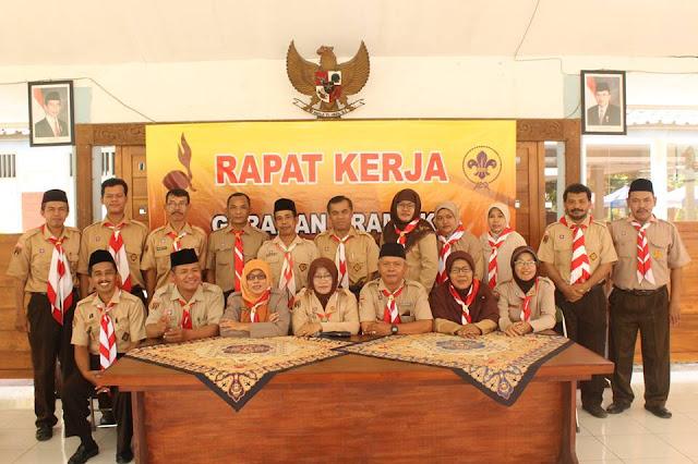 Gerakan Pramuka Kwartir Ranting Karanglewas Kabupateng Banyumas mengadakan kegiatan Rapat Kerja Tahunan. Kegiatan ini berlangsung di Pendopo Kecamatan Karanglewas, Sabtu (7/5/2016).