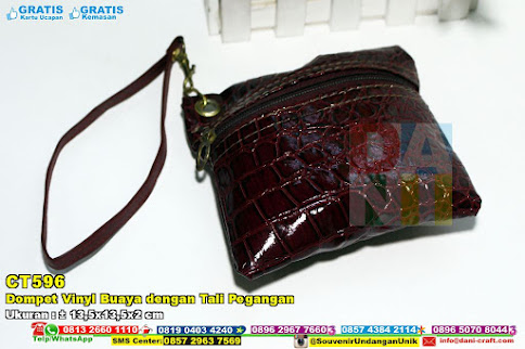 Dompet Vinyl Buaya Dengan Tali Pegangan