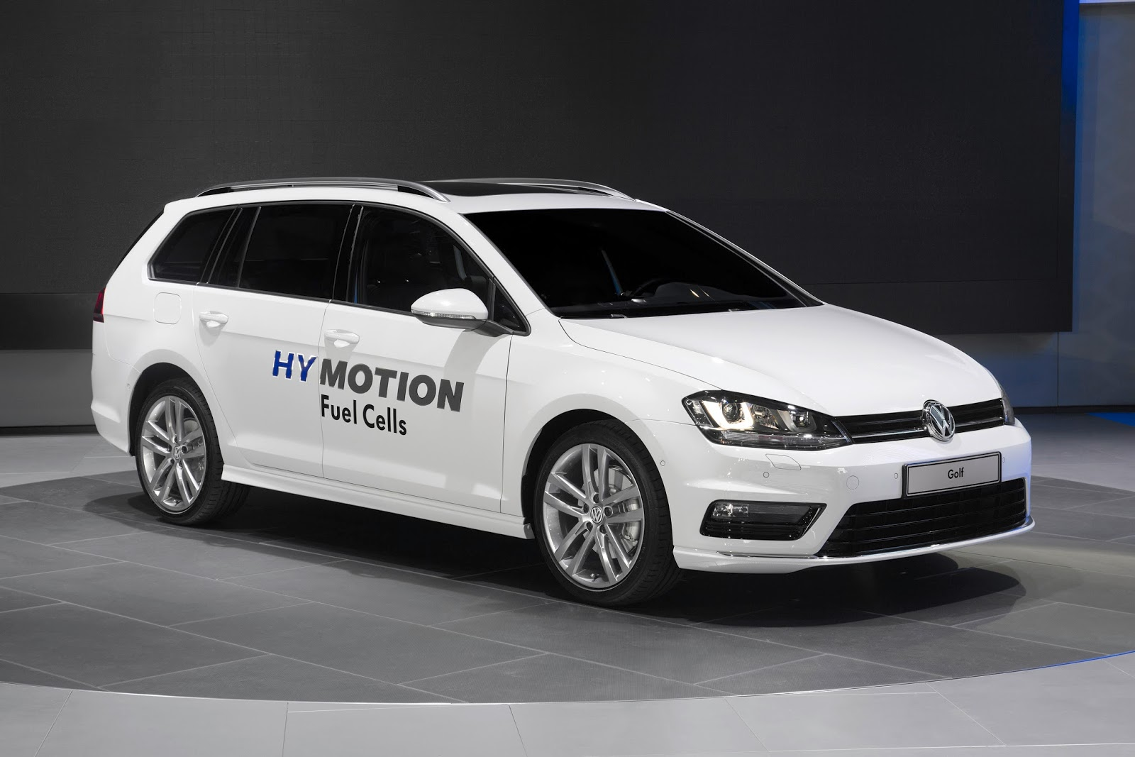 vw jumps on fuel cell bandwagon with golf and passat hymotion. Black Bedroom Furniture Sets. Home Design Ideas