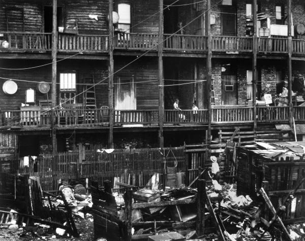 analysis poem tenement room chicago Here one sees a close-up of the laborer in cullen's poem the setting for all four acts is the family's living room a preacher from chicago who visits the.