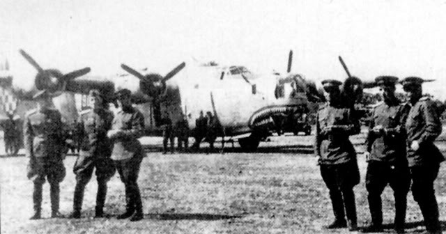 US WWII Bomber and Fighter aircrafts - Page 2 B24Sombor-Yu1945