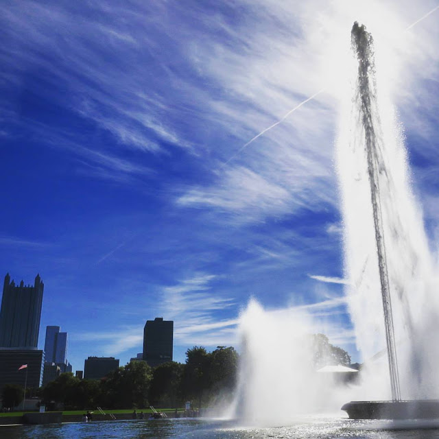 Fun things to do in Pittsburgh: the fountain at Point State Park