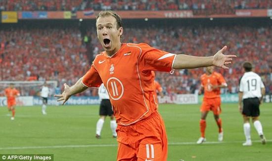 Robben giã từ sự nghiệp thi đấu quốc tế ở tuổi 33.