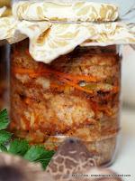 czubajki, kania ala schabowy, kotlety z kani, kanie marynowane, grzybki marynowane, marynata pomidorowa, przetwory, kanie w zalewie, czubajka kania
