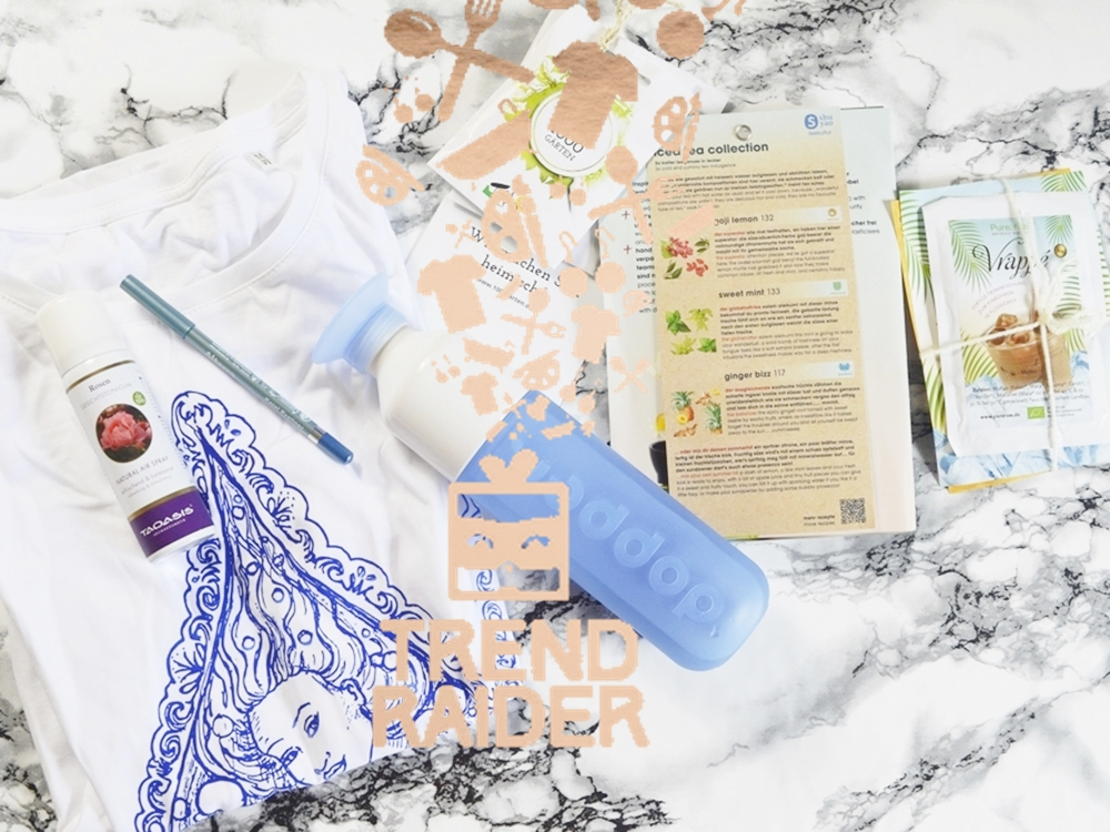 Products of the TrendBox / TrendRaider June 2016 'WaterPassion' / Dopper bottle, Ice Tea, drink powder, face tonicum, soja seeds, t-shirt, kajal eyeliner