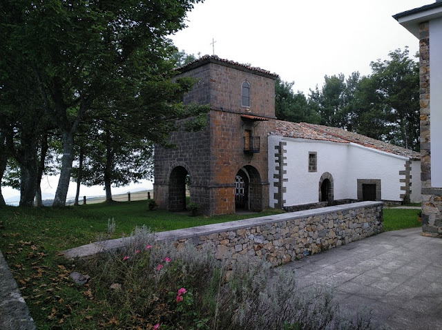 Santuario de la Virgen del Acebo
