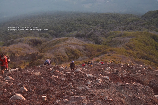 trek pendakian gunung slamet