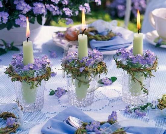 El estilo vintage ha roto esquemas en todos los sectores, y en el de la decoración de bodas definitivamente. No está reñido con una decoración cuidada,