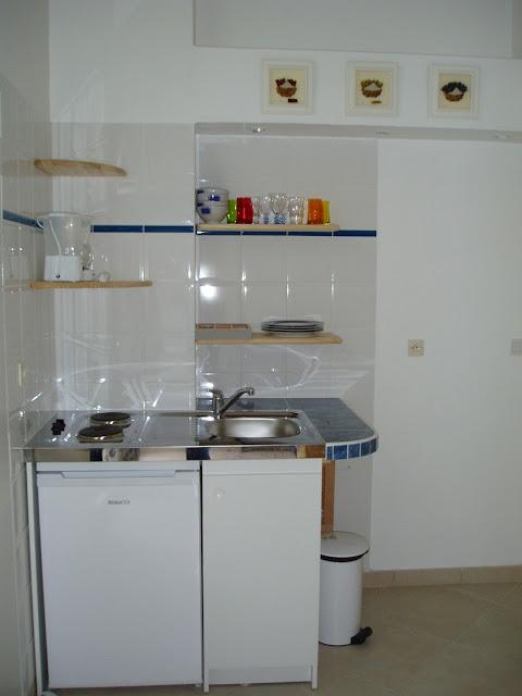 6 Tips Reka Bentuk Dapur Kecil Simple Small Kitchen Design Dekorumah Com