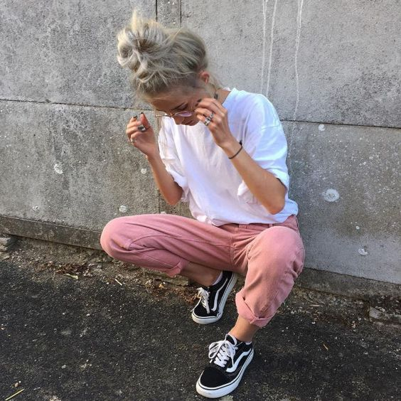 Street Style - Pin Joggers, White  T-shirt + Black Vans Old Skool Sneakers