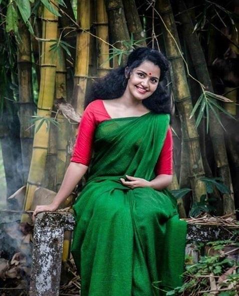 Actress Anupama Hot Saree Photos - Hd Latest Tamil Actress -1551